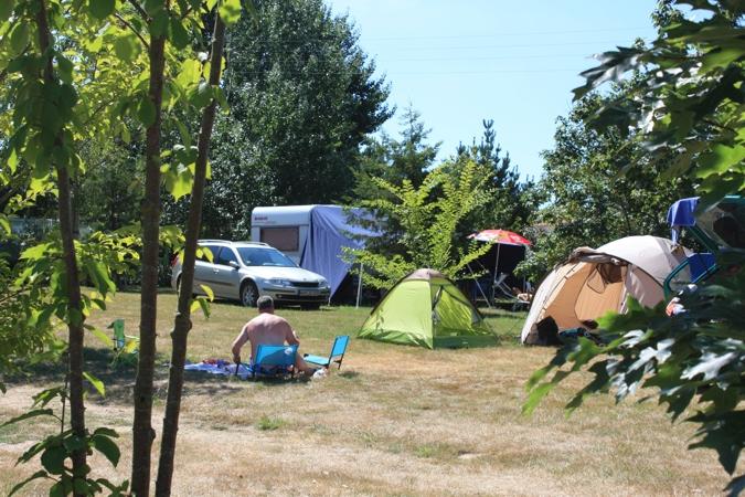 Camping dans un cadre très nature et champêtre