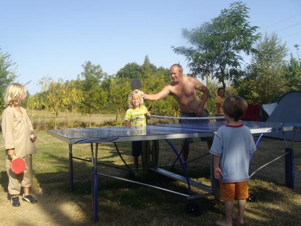 Gite et camping avec ping-pong